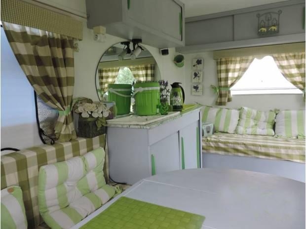 caravalivres ulule. Black Bedroom Furniture Sets. Home Design Ideas