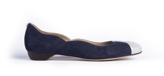 Ballerines  Veulettes à talon plate confortable en cuir italien bleu marine et argent  à bout rond