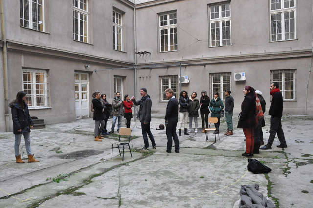 Pavilion location - Faculty of Architecture courtyard - the first day of the student workshop