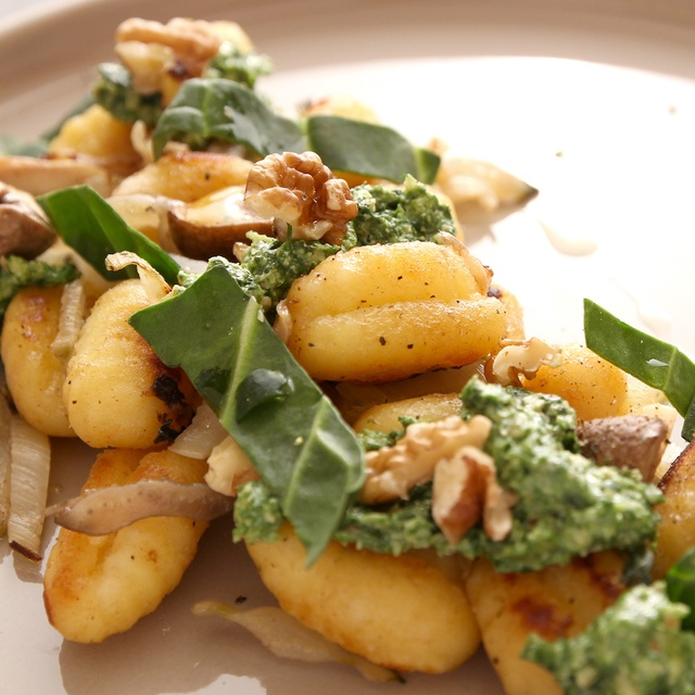 Plat végétarien panier Les Popotes Gnocchis forestiers au pesto de blettes