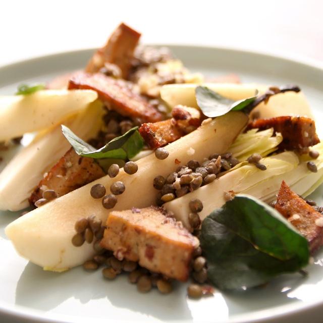 Plat végétarien panier Les Popotes lentilles poire tofu fumé